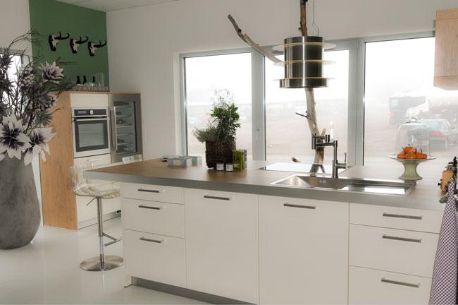 k chen maier oberried tische f r die k che. Black Bedroom Furniture Sets. Home Design Ideas